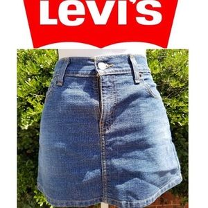 Levi's jean mini skirt with pockets